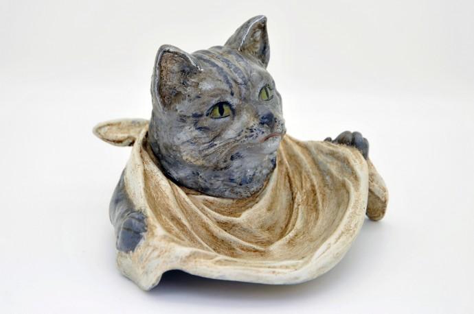 Encrier en forme de tête de chat gourmand