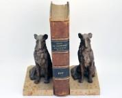 Serre-livre en régule polychrome, avec chiens levier