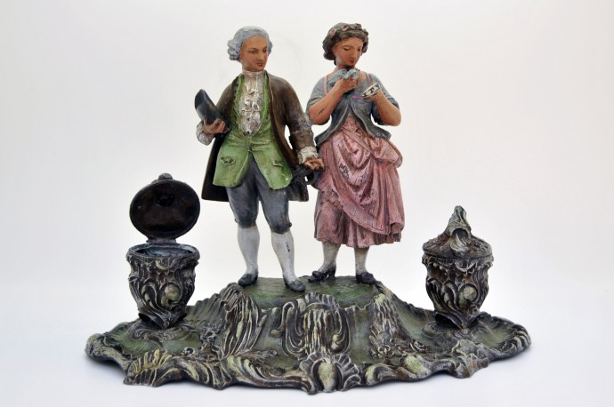 Encrier en regule polychrome - couple de bourgeois