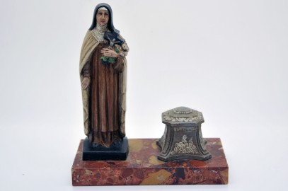 Original inkwell of 30 years with the Virgin Mary