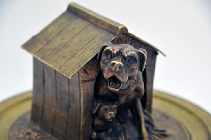 Encrier en bronze à décor d'un chien de MOIGNEZ