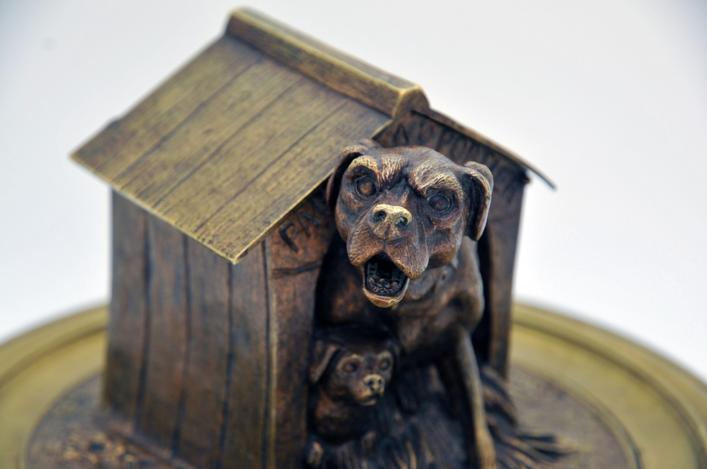 Bronze inkwell decorated with a dog MOIGNIEZ